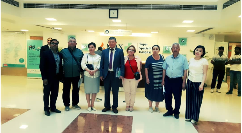 Employees of the MMF in the delegation of Osh State University visited India